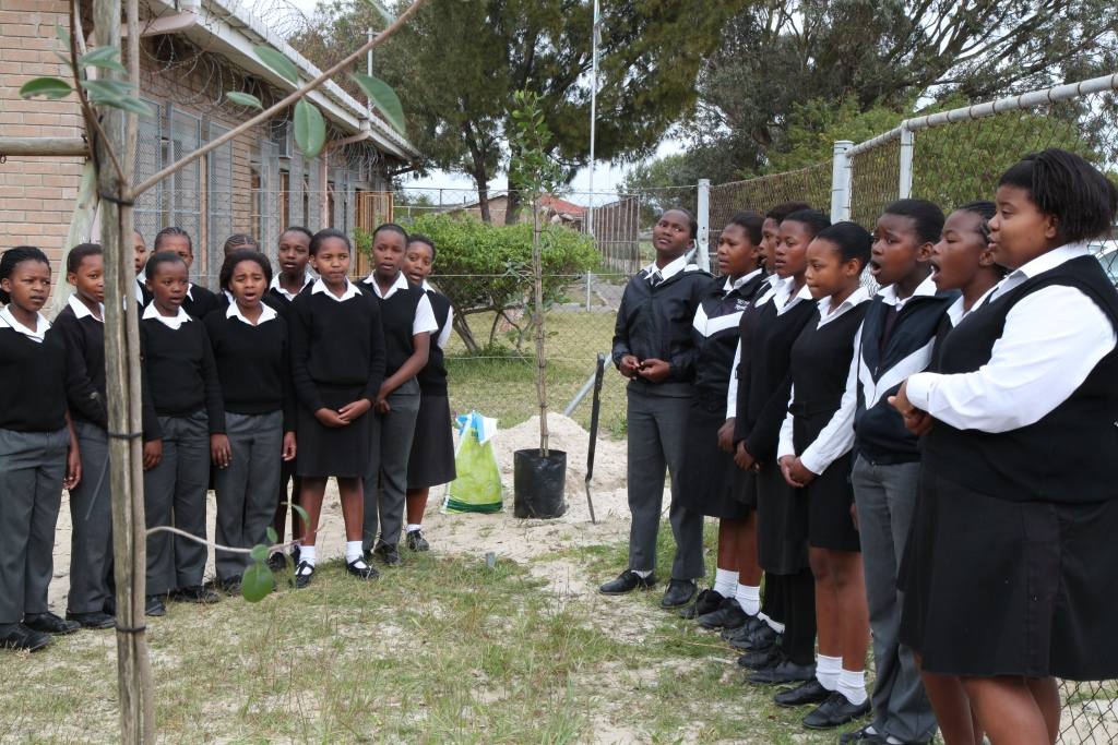The children of Homba Primary in Khayelitsha sang and danced beautifully at their tree planting day, 29 September 2011