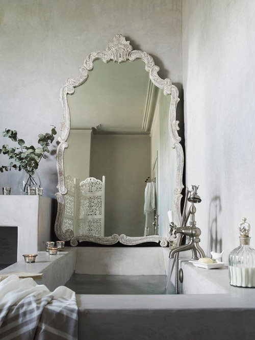 Large-mirror-in-bathroom