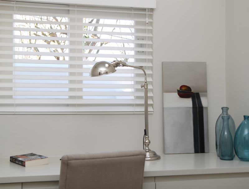 Wooden slat blinds
