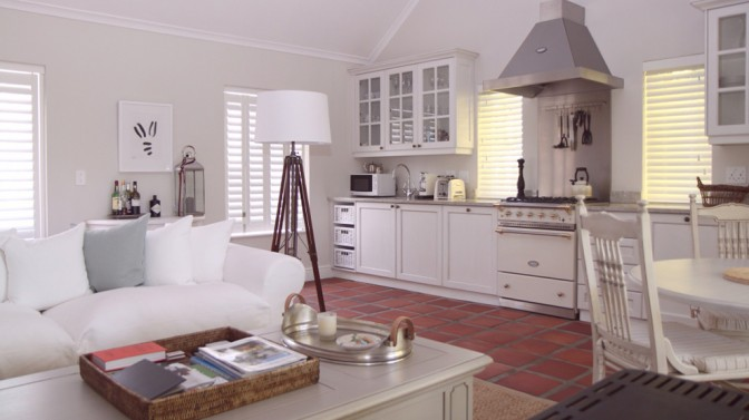 Constantia-cottage-AMERICAN-shutters-installation