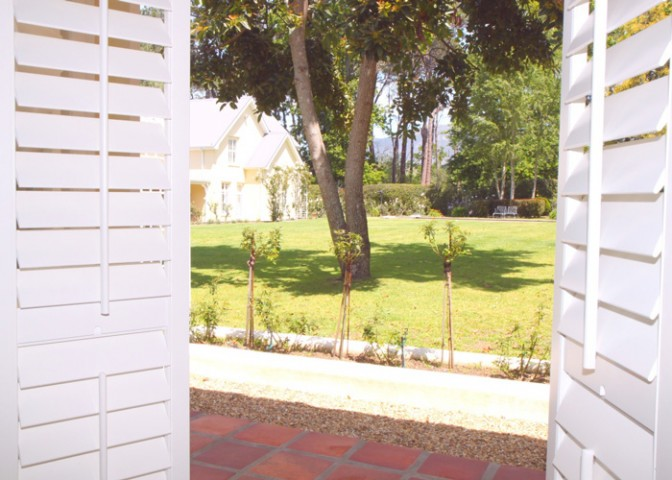 Constantia-cottage-AMERICAN-shutters-installation_2