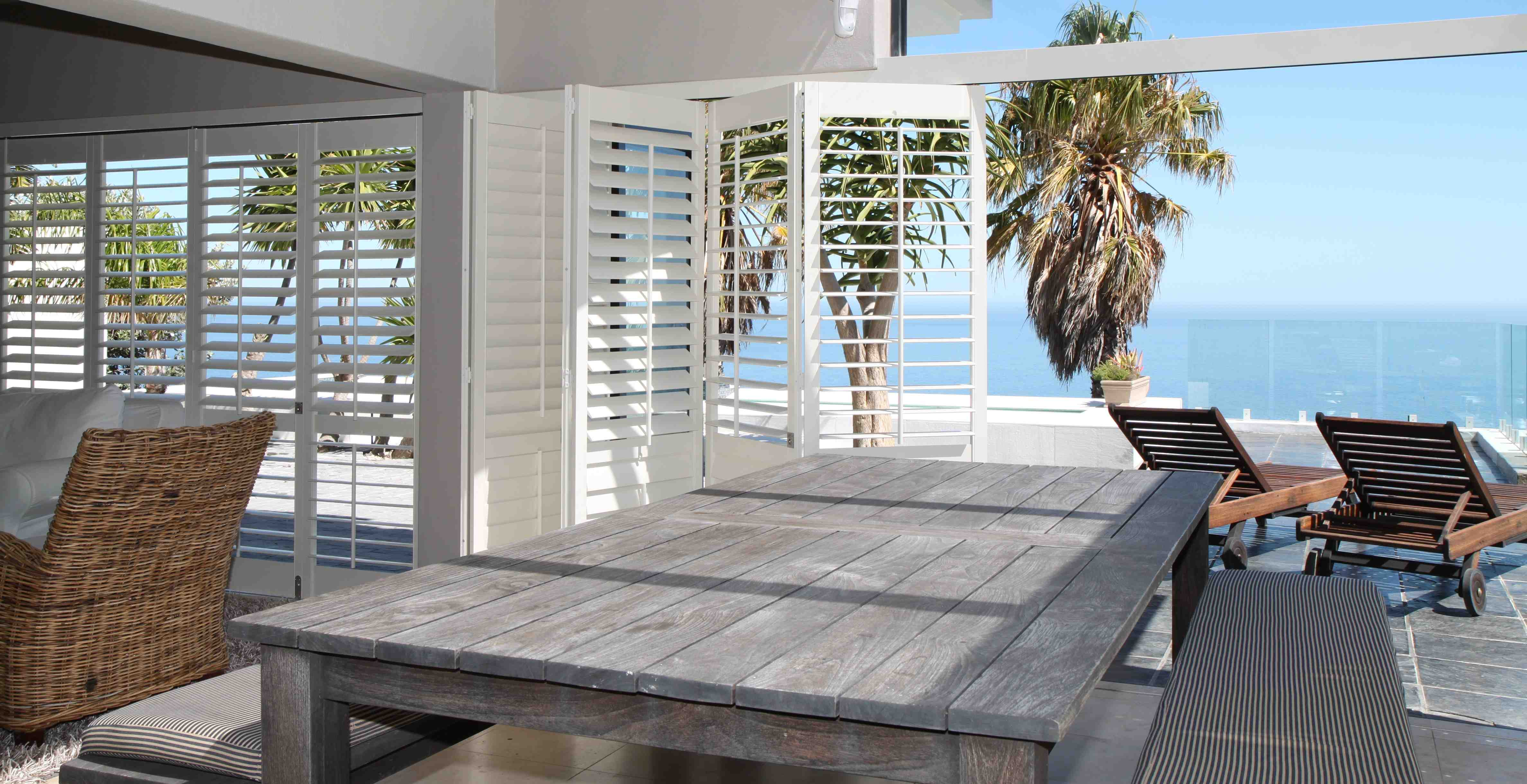 Going to view heights american shutters for Patios minimalistas