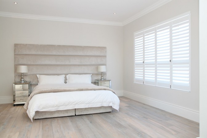 bedroom-shutters---clutterless