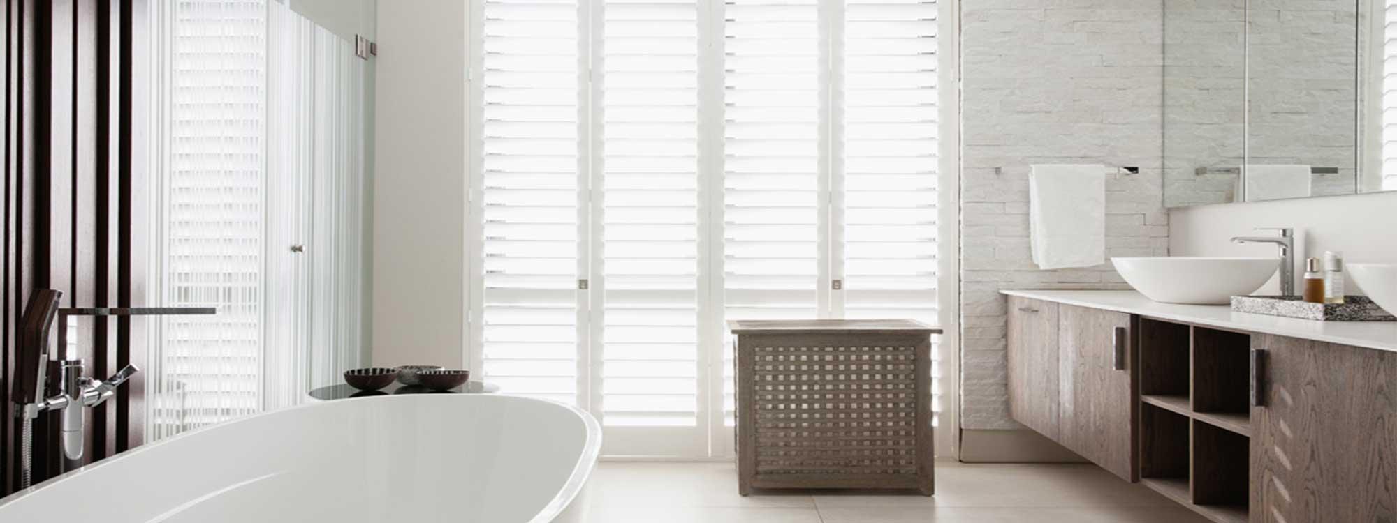 Decowood-shutters-bathroom-full-view-light