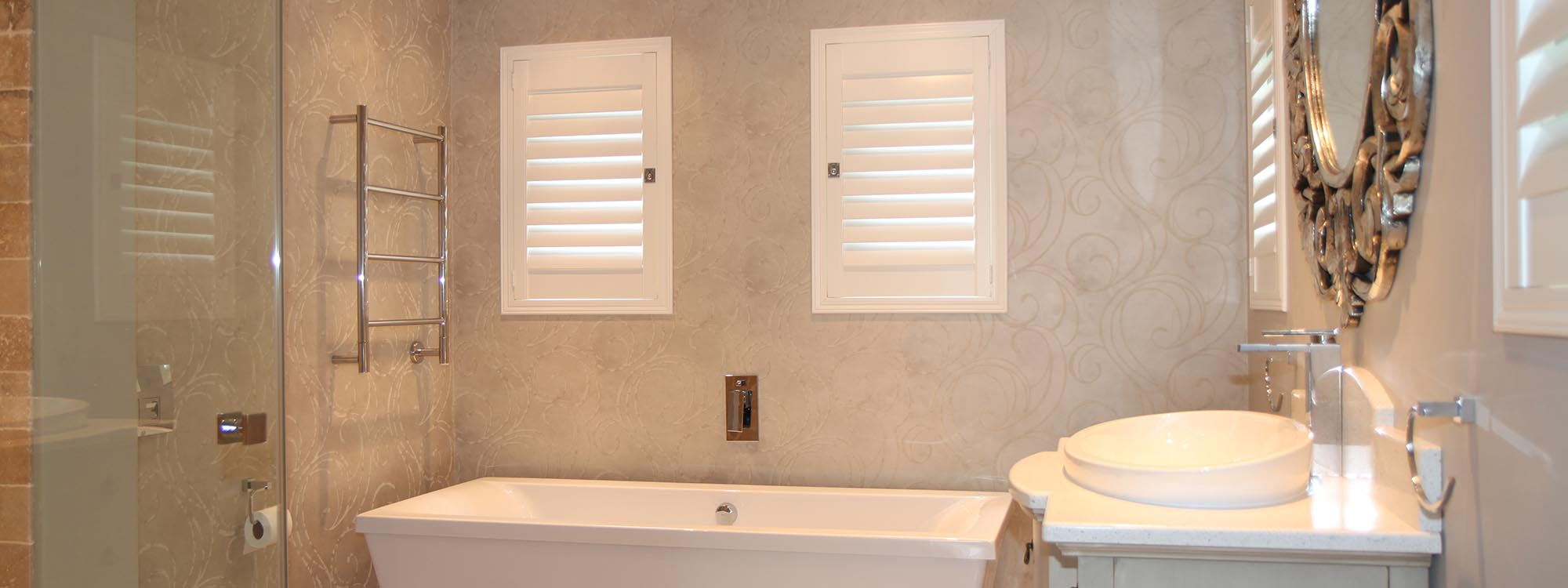 Decowood-shutters-bathroom-hinged-full-view