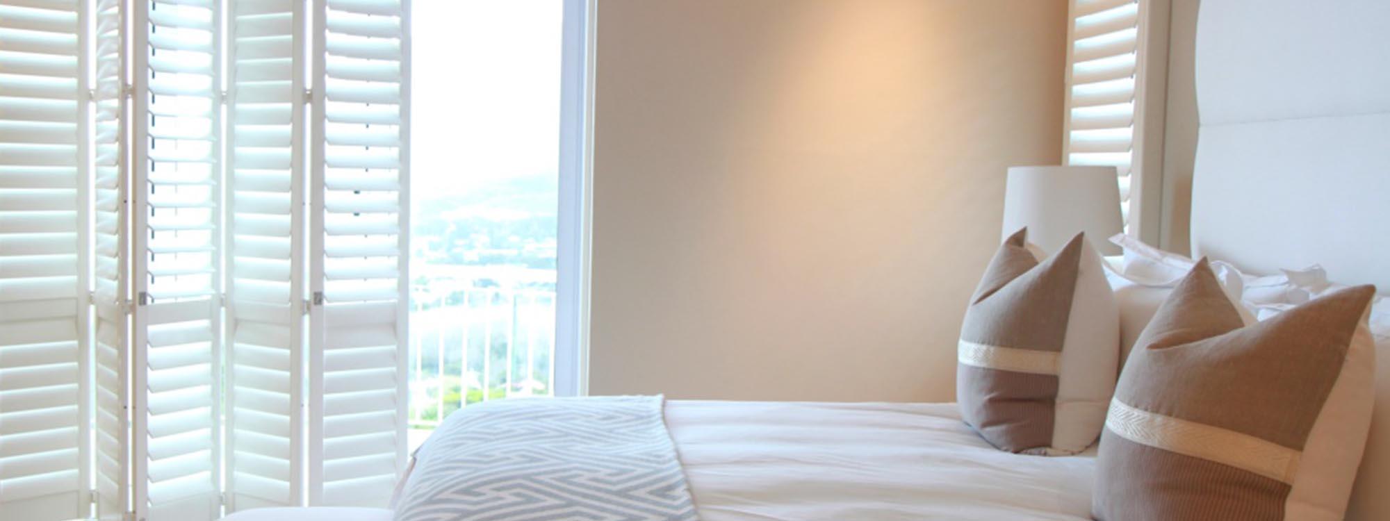 Decowood-shutters-bedroom-bi-fold-neutral