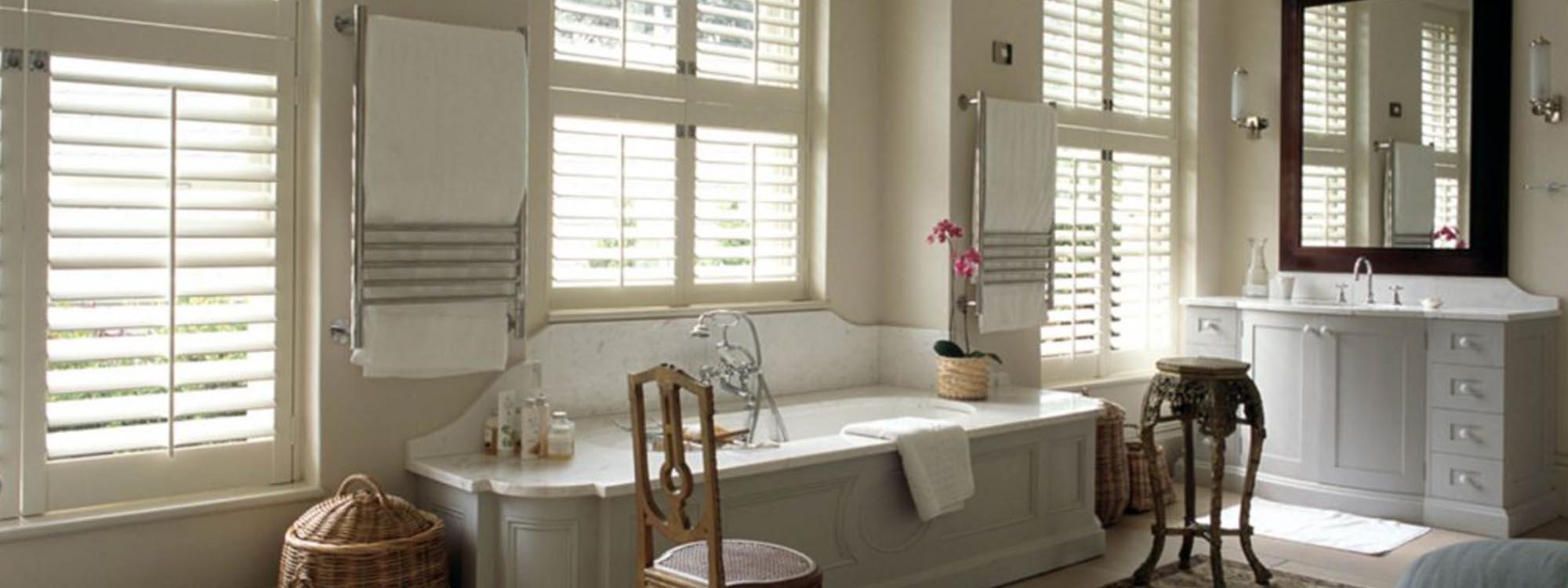 Normandy-shutters-bathroom-bathtub