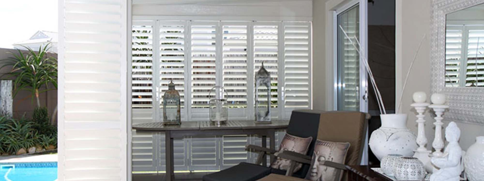 Security-shutters-patio-lounge