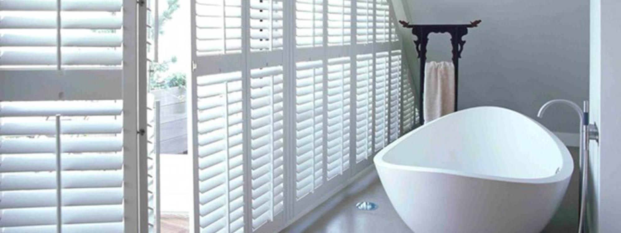 Woodbury-shutters-bathroom-bathtub