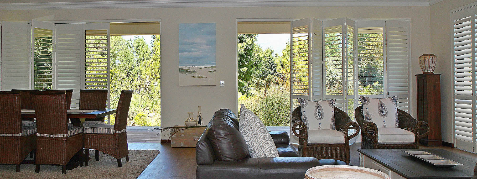 Decowood-shutters-living-area-silk-white